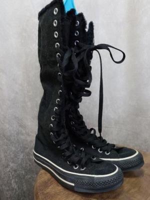 黒スニーカーブーツ